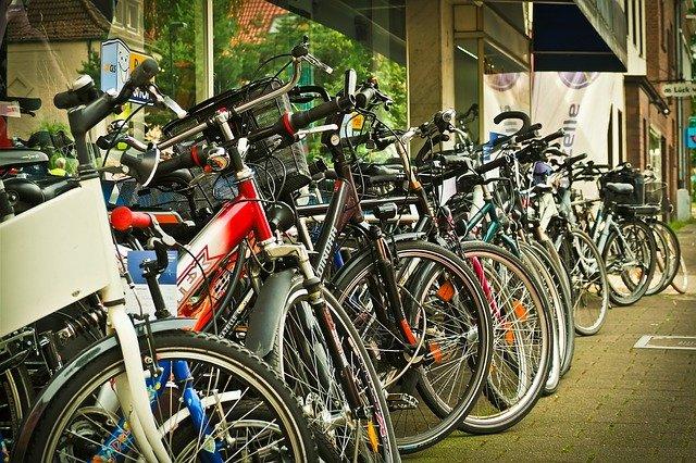 Mountain vs Road Bikes
